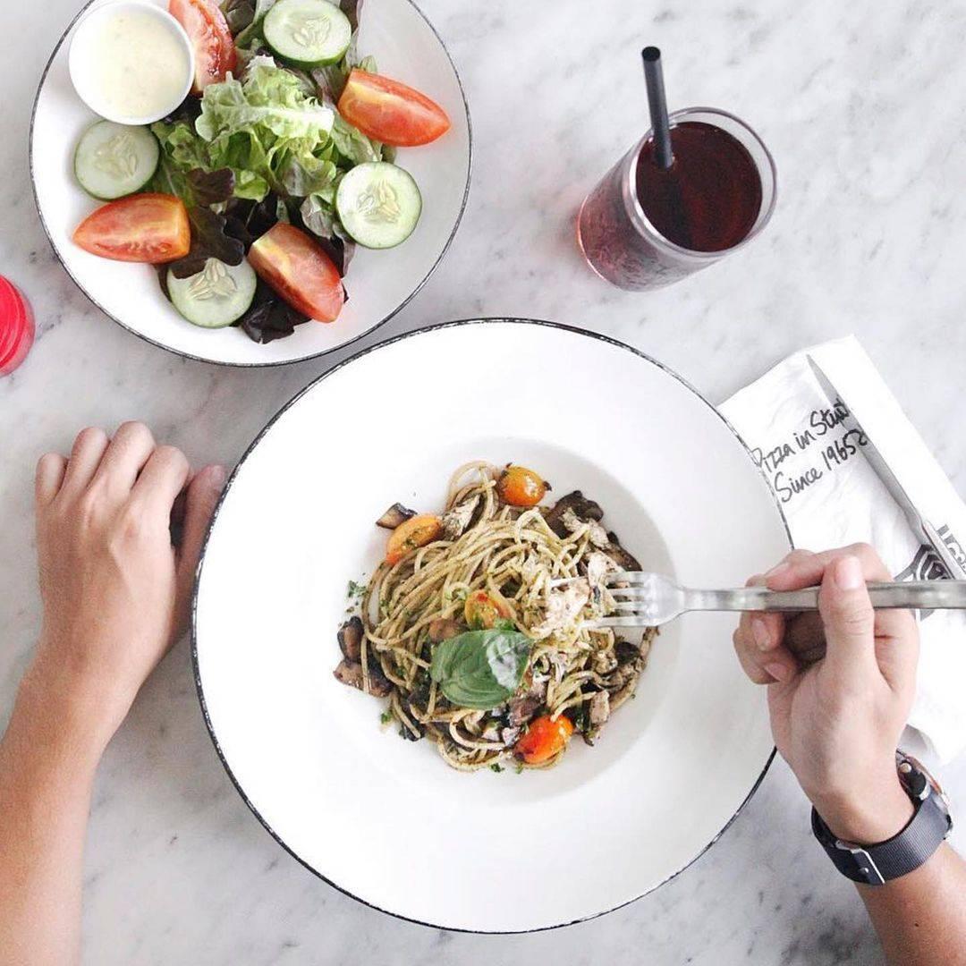 Diskon Pizza Marzano Promo HUT BCA Makan Seharga Rp. 64.000 Bayar Pakai Kartu BCA