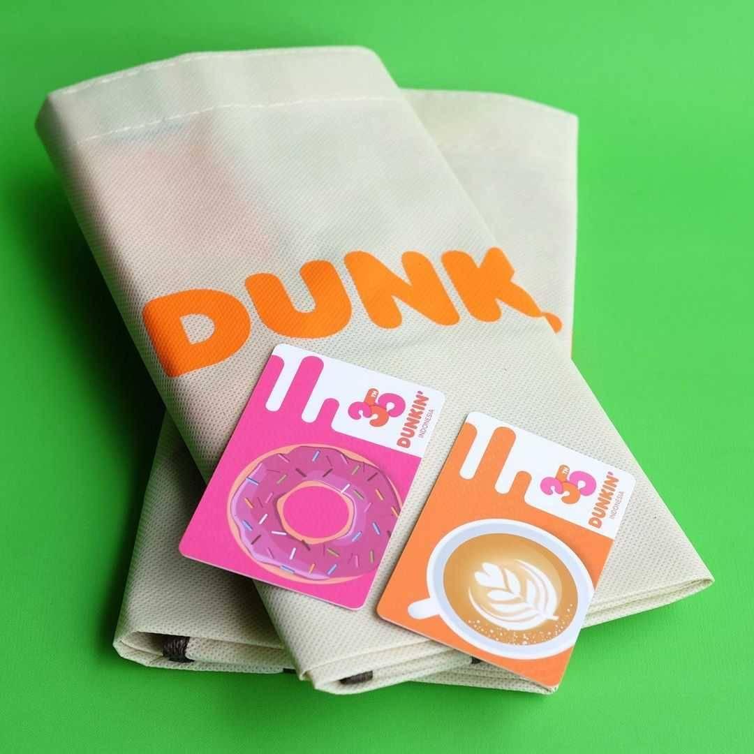 Promo diskon Promo Dunkin Donuts Diskon 35% Untuk Paket Pasangan 2 EcoBag + 2 DD Card